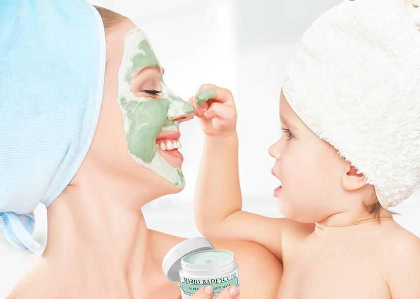 Kos deg med en ansiktsmaske